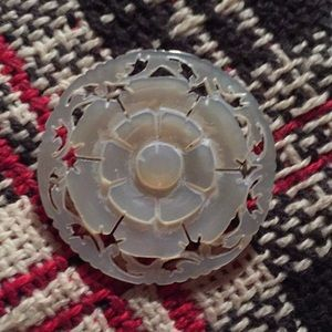 Jewelry - Vintage mother of pearl brooch